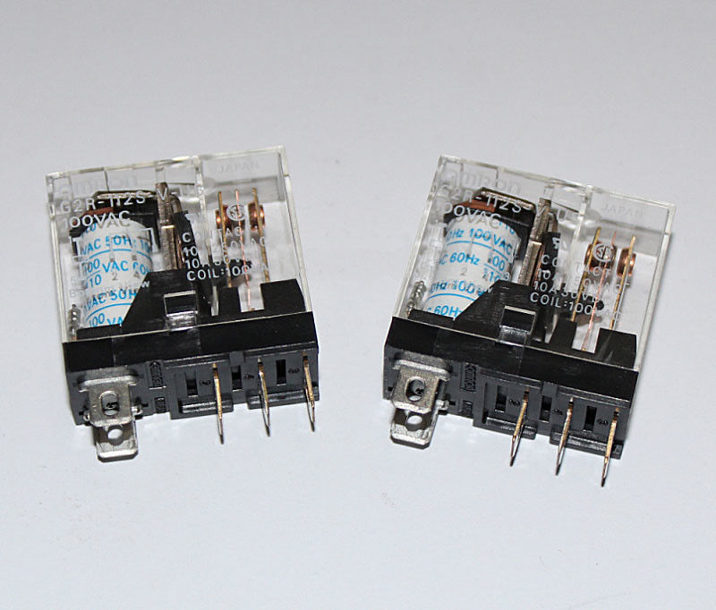 Omron relay G2R-112S-V-US-100VAC - 10A (5 pin)